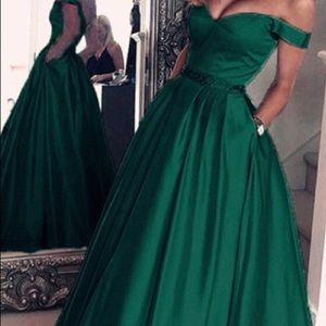 Dresses & Skirts - BEAUTIFUL PROM DRESS